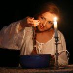 Как сделать сильный приворот: любовные ритуалы